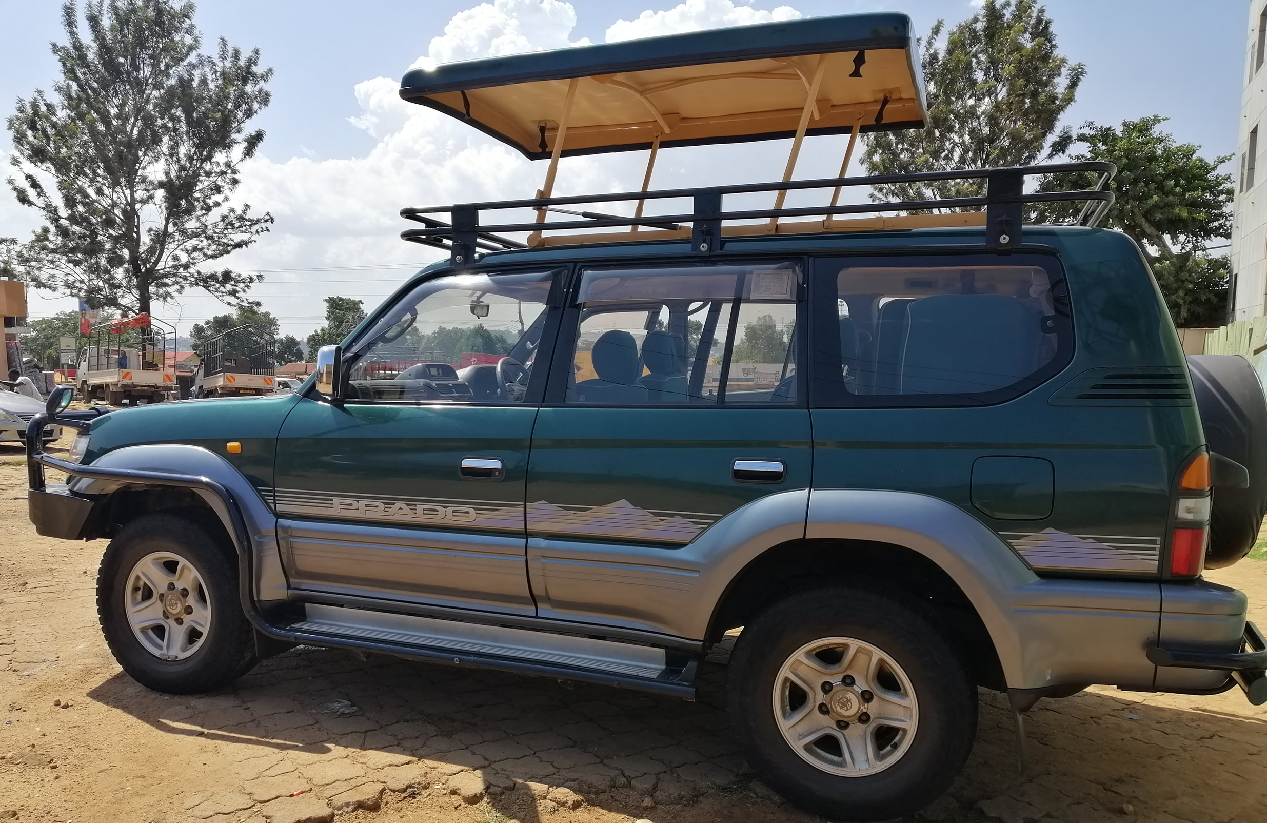 Pop-up Roof Land Cruiser