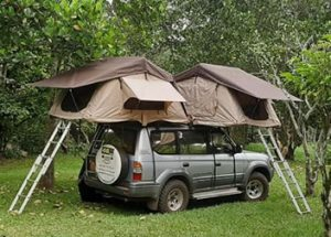 Campint Family Trip, Land cruiser with 2 top tents