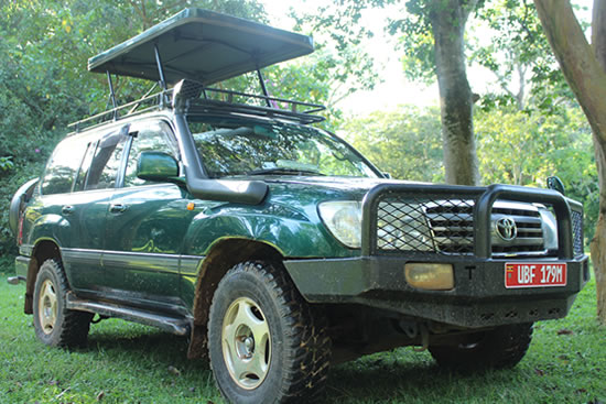 Toyota Land Cruiser V8 with Pop-up roof - self drive