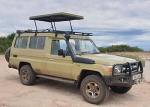 Land cruiser Hardtop - 5 seater with driver.